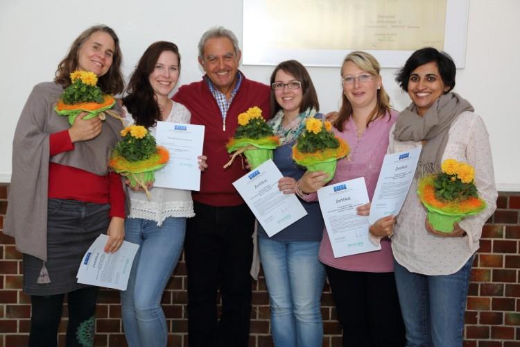 Die neuen zertifizierten Brondo-Therapeutinnen 2015 zusammen mit Dr. Brondo auf einem Gruppenfoto