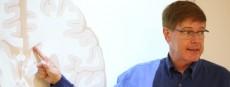 Prof. Dr. Nelson Annunciato unterrichtet im Bobath - Pädiatrie - Kurs 2014-15 im ZiFF